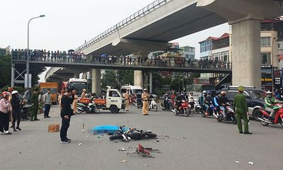 Hiện trường vụ xe tải tông tử vong người phụ nữ đi xe đạp điện rồi bỏ chạy