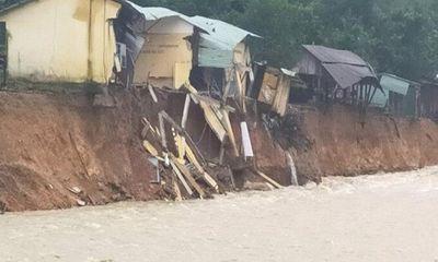 Ảnh hưởng bão số 10, thêm một ngôi làng ở Trà Leng gần như bị