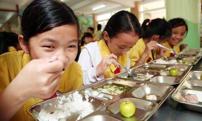 An toàn trong bữa ăn học đường: Hiệu trưởng không thể trốn tránh trách nhiệm