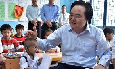 Cậu bé tí hon Đinh Văn K'rể qua đời, Bộ trưởng bộ GD-ĐT gửi lời chia buồn sâu sắc