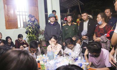 Đi dã ngoại trên núi, 27 học sinh lớp 12 bị lạc trong rừng