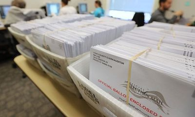 Thẩm phán bang Pennsylvania tạm dừng chứng nhận kết quả bầu cử