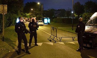 Pháp bắt giữ thêm 4 học sinh liên quan đến vụ sát hại dã man thầy giáo dạy Sử