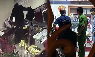Vụ cướp ngân hàng ở Đồng Nai: Kẻ bịt mặt xông vào hô to