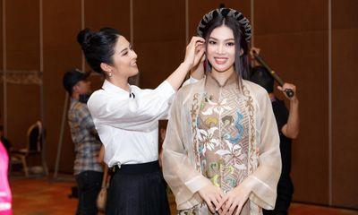 Hoa hậu Ngọc Hân: Cô gái bị
