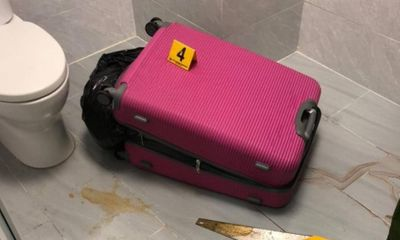 Vụ thi thể người trong vali ở căn nhà 3 tầng tại TP.HCM: Tại hiện trường có cưa tay, kìm cộng lực