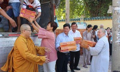Hội từ thiện Đồng Nai trao 2.200 suất quà tặng đồng bào miền Trung