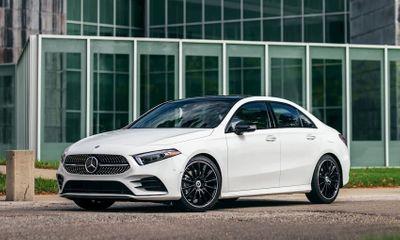 Bảng giá xe ô tô Mercedes-Benz mới nhất tháng 12/2020: Dòng xe C-Class có giá khởi điểm từ 1,399 tỷ đồng