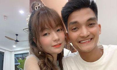 Vợ chồng nam diễn viên hài Mạc Văn Khoa đón con gái đầu lòng sớm