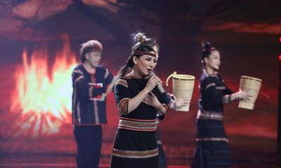Phi Nhung kể về hành trình lập nghiệp từ 300 USD trong tay thành nữ hoàng băng đĩa