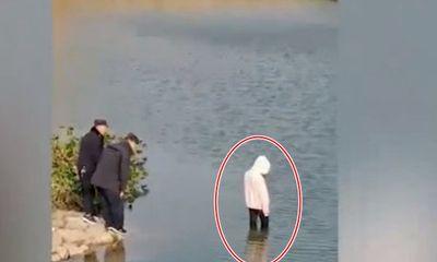 4 cảnh sát không biết bơi, đứng nhìn thiếu nữ 17 tuổi chết đuối khiến dân mạng
