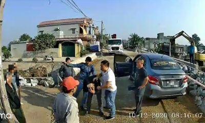 Điều tra vụ chủ xe khách trình báo bị nhóm côn đồ hành hung đến nhập viện