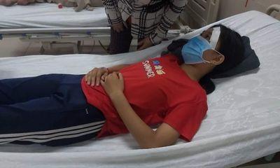 Diễn biến mới nhất vụ nữ sinh lớp 7 bị đánh, đạp xuống mương sau va chạm giao thông