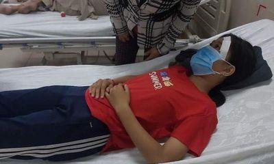 Vụ nữ sinh lớp 7 bị đánh, đạp xuống mương sau va chạm giao thông: Công an vào cuộc điều tra