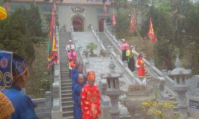 Lễ dâng hương tưởng niệm Đức Thánh Tản Viên Sơn – Hoạt động mang đậm nét văn hóa tín ngưỡng tâm linh trên núi Ba Vì