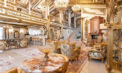 Choáng ngợp trước cung điện dát vàng