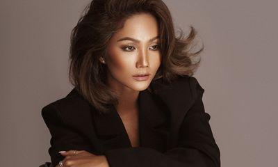 H'Hen Niê hé lộ về phim hành động đầu tiên trong sự nghiệp sau 2 năm vào Top 5 Miss Universe