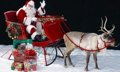 Vì sao bộ đồ của ông già Noel lại có màu đỏ?