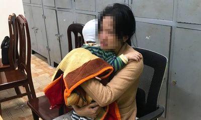 CSGT ngăn người phụ nữ ôm con nhỏ định nhảy cầu Bãi Cháy tự tử