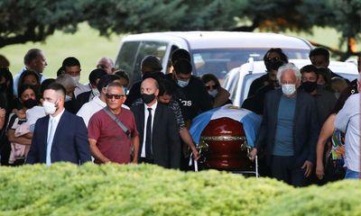 Lý do thi thể Maradona được yêu cầu bảo quản, không được hỏa táng