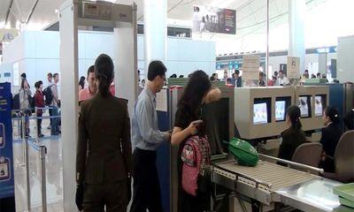 Đánh nhau với người đi cùng chuyến, nữ hành khách bị cấm bay 12 tháng