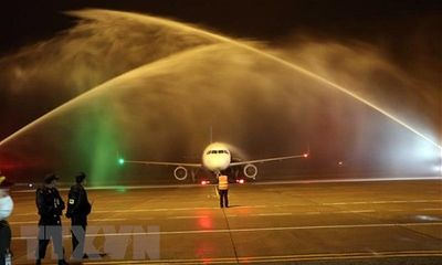 Cận cảnh chiếc máy bay đầu tiên của Vietravel Airlines tại sân bay quốc tế Phú Bài