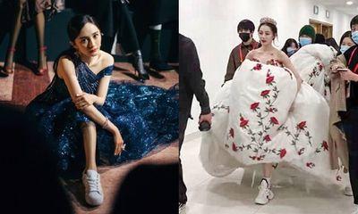 Sao nữ Hoa ngữ đi giày thể thao lên thảm đỏ: Người được khen, kẻ bị chê tơi tả