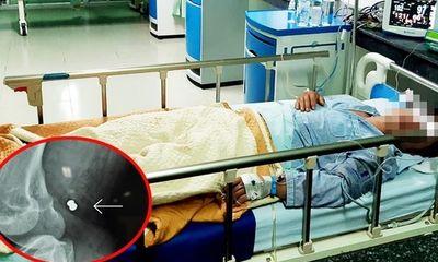 Bác sĩ và hộ lý hiến máu cứu người đàn ông mất máu do