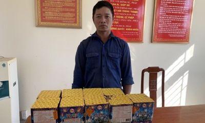 Quảng Bình: Bắt giữ đối tượng vận chuyển trái phép 21,6 kg pháo hoa