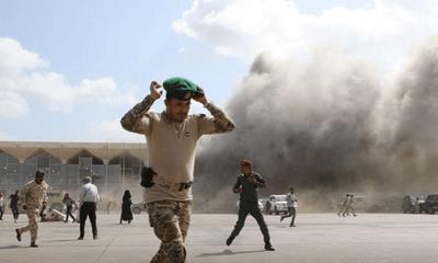 Tấn công vào sân bay ngay khi thủ tướng Yemen đáp xuống, ít nhất 22 người tử vong