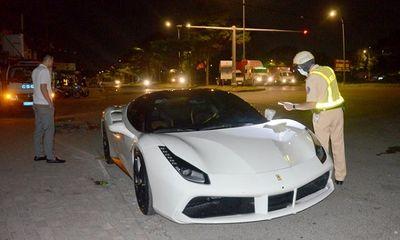 Tin tức pháp luật mới nhất ngày 3/1: Siêu xe Ferrari không biển số trước nghênh ngang dạo phố