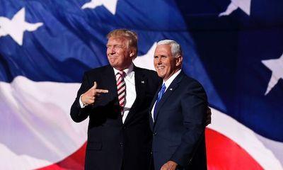 Tổng thống Trump lần đầu công khai kêu gọi sự giúp đỡ của phó tướng Mike Pence