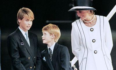 Công nương Diana và những lần phá vỡ quy tắc hoàng gia Anh để nuôi dạy 2 hoàng tử