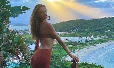 Cựu thiên thần Victoria's Secret Alessandra Ambrosio khoe vóc dáng