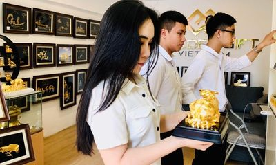 Thị trường quà Tết 2021: Giỏ quà chiếm ưu thế, độc lạ mẫu trâu vàng