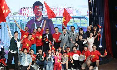 BLV Quang Huy rủ MC Lại Văn Sâm và dàn nghệ sĩ