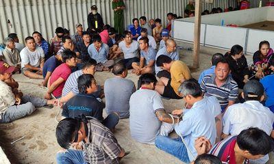 Hơn 100 cảnh sát phá sòng bạc trong kho gạo bỏ hoang: Bắt 153