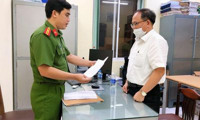Nguyên Phó Bí thư Thường trực Thành ủy TP.HCM Tất Thành Cang bị đề nghị truy tố