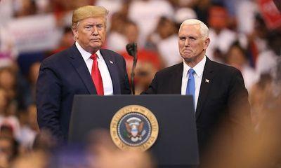 Ông Trump lần đầu nói chuyện với phó tướng Mike Pence sau nhiều ngày