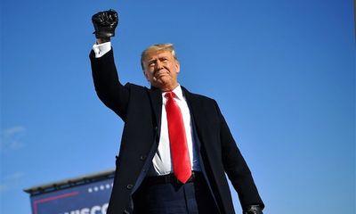 Ông Trump trở thành tổng thống đầu tiên trong lịch sử bị luận tội 2 lần