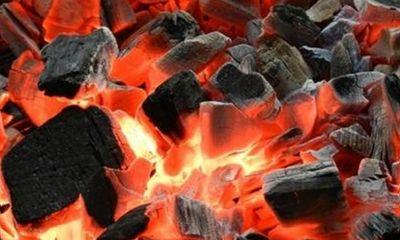 Hai bé bị ngộ độc khí nặng, tử vong do đốt than sưởi ấm trong phòng