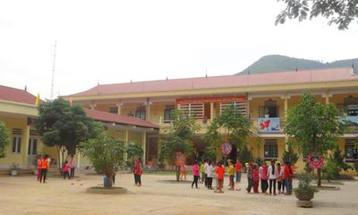 Hà Giang: 100 học sinh nhập viện, nghi ngộ độc thực phẩm