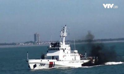 Vụ tàu cá bị chìm trên biển Côn Đảo: Cứu được 7 ngư dân, tiếp tục tìm kiếm 7 người mất tích