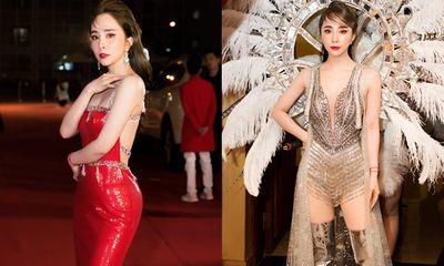 Quỳnh Nga khoe eo lưng mềm mại ở thảm đỏ chưa đủ, còn đeo cánh biểu diễn nóng bỏng quá sức