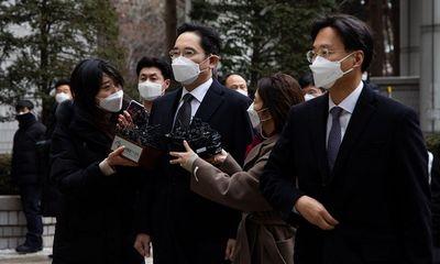 """""""Thái tử"""" Samsung quyết định không kháng cáo bản án 30 tháng tù giam"""