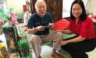 Thăm, tặng quà các gia đình, cán bộ có hoàn cảnh khó khăn nhân dịp Tết Nguyên đán Tân Sửu 2021