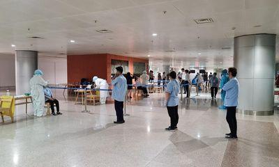TP.HCM: Xét nghiệm COVID-19 đối với toàn bộ nhân viên sân bay Tân Sơn Nhất