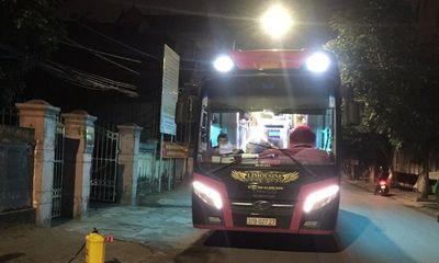 Dừng xe khách chở 22 sinh viên FPT để đưa về cách ly