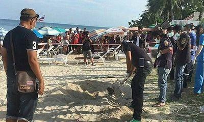 Lần theo mùi lạ ở bãi biển, nhóm người phát hiện điều rùng rợn, cảnh sát lập tức điều tra