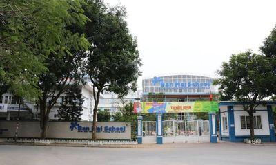 Hà Nội: Phụ huynh nhiễm COVID-19, cách ly 24 học sinh, giáo viên